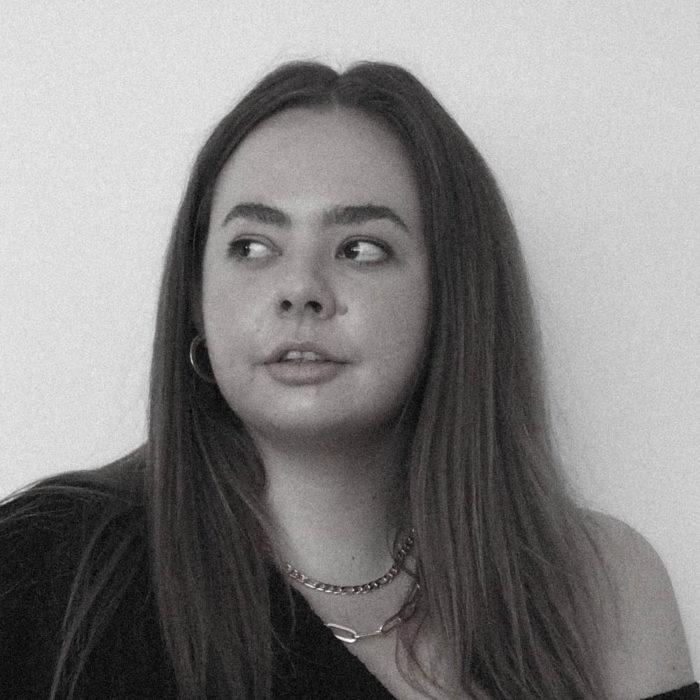 Angela Olsen profile picture